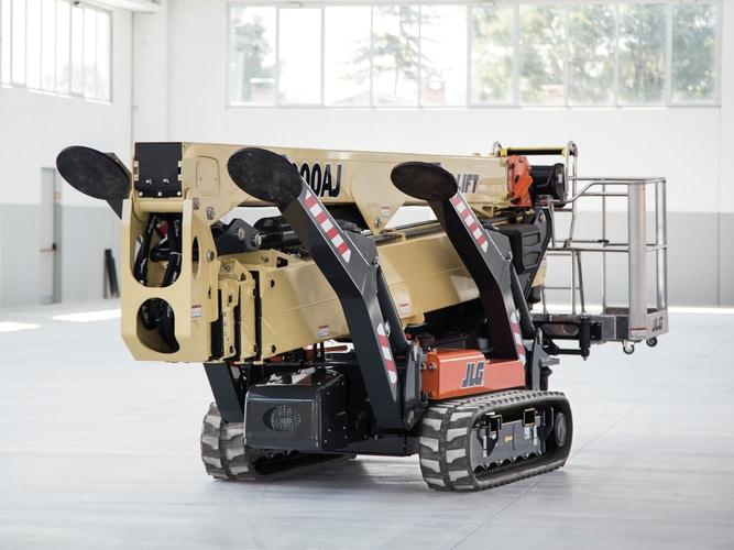 Nowy podnośnik koszowy X1000AJNowy podnośnik koszowy X1000AJ może zpowodzeniem pracować wewnątrz pomieszczeń